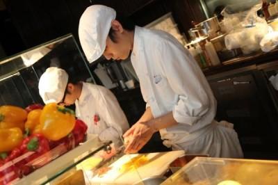 大阪の野菜料理レストランで料理長候補の募集です!