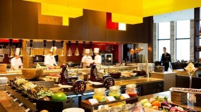 大阪・梅田の外資系ラグジュアリーホテルにあるオールデイダイニングで、洋食調理スタッフ募集!