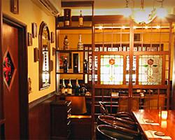 各メディアで取り上げられている、裏ナンバを代表する老舗居酒屋。