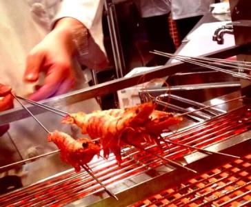 大阪・梅田の大型商業施設で人気のバル3店舗で、キッチンスタッフとしてご活躍ください