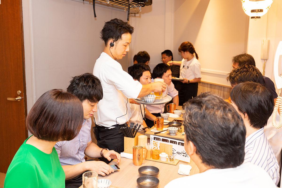 調理だけでなくお客さまへの対応スキルなども申し分ない人材を確保