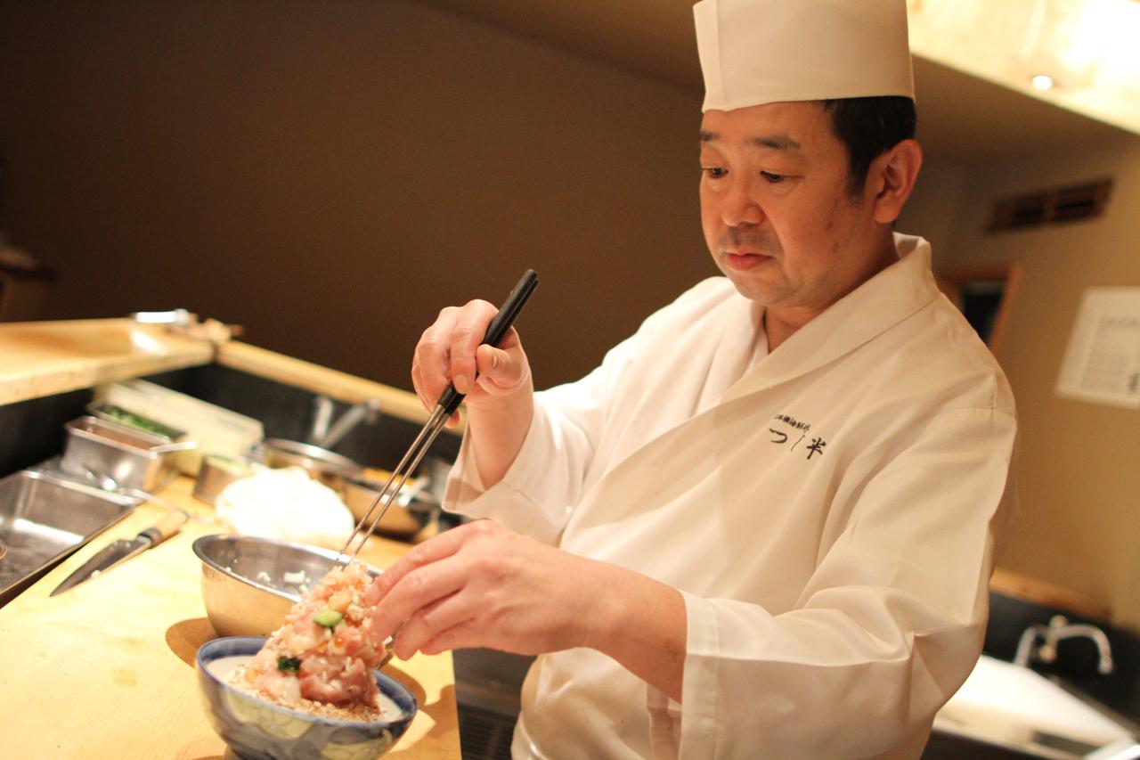 「ぜいたく丼」一品のみだからこそ、スタッフの気持ちの良い応対が要となるのだとか。