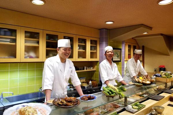 海外で日本の寿司店を開きたい ! しっかりした目標をもった若者を採用【株式会社TFC】