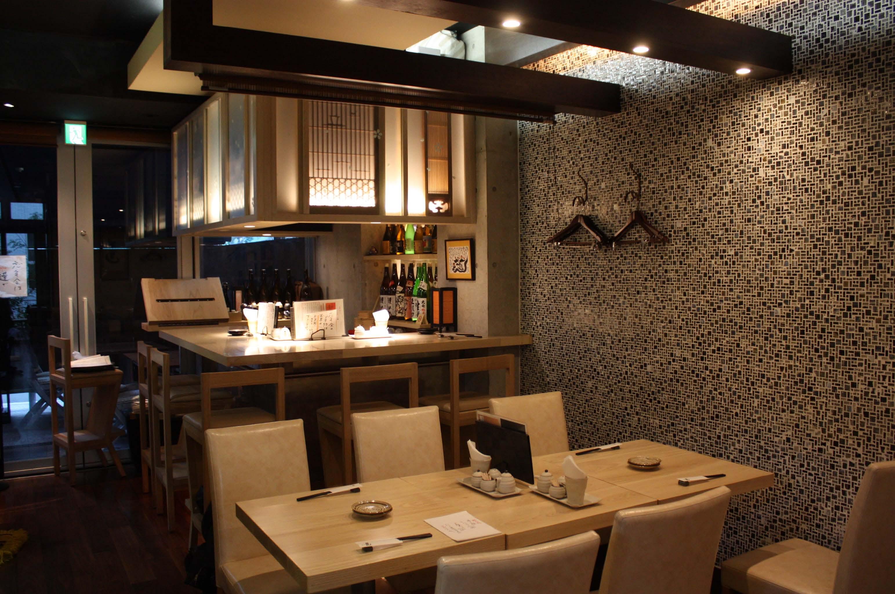 そばと和食の「EBISU蓮」店内風景