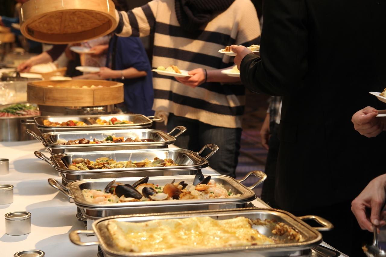 レストランは都内、および千葉県柏市に展開。