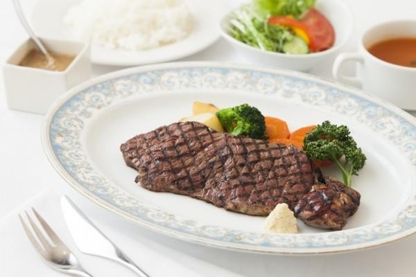 赤坂で店を構え40年以上。昔ながらの洋食が味わえる『レストラン赤坂クーポール本店』