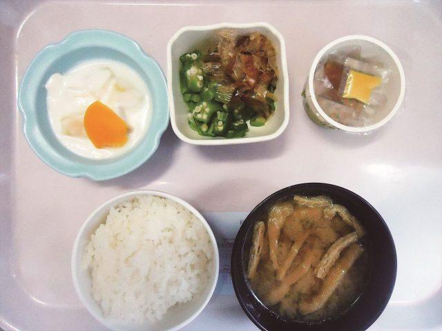 100円朝食