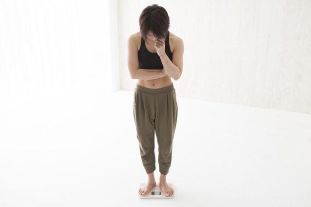 体重を気にする女性