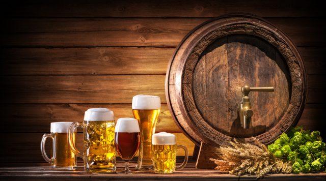 ビール樽と各種ビール