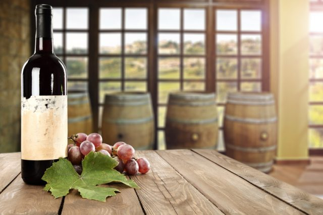 ワインと窓