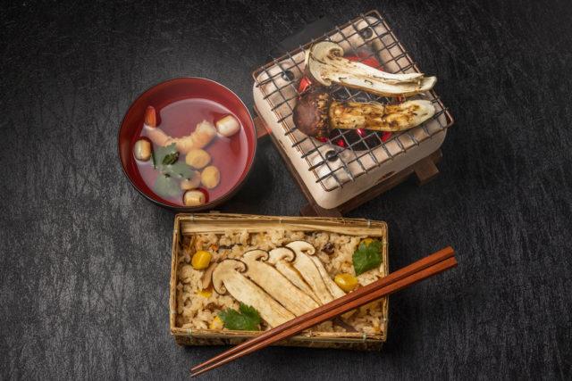 焼き松茸、お吸い物、松茸ご飯
