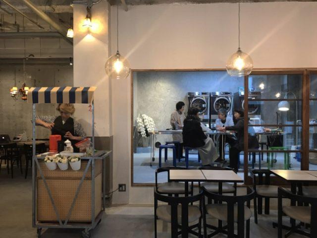 「喫茶ランドリー」店内1
