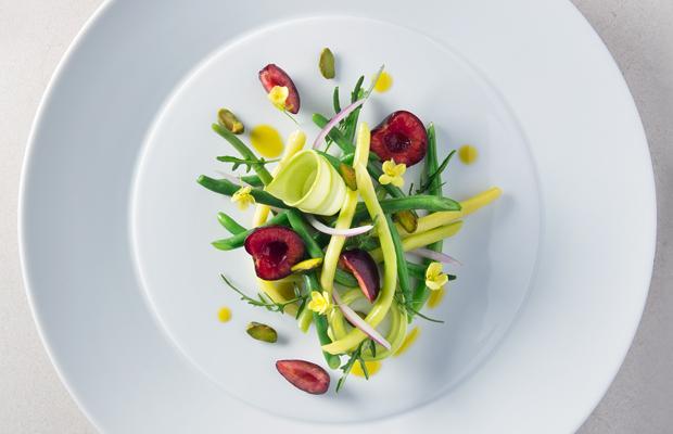 色鮮やかな野菜の料理の写真