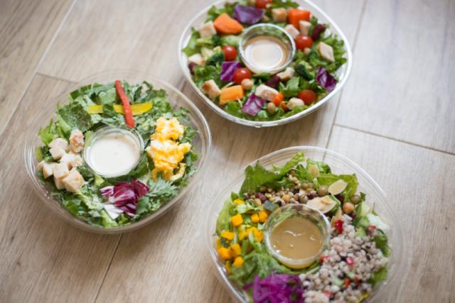 ボリューミーな3種類のサラダ