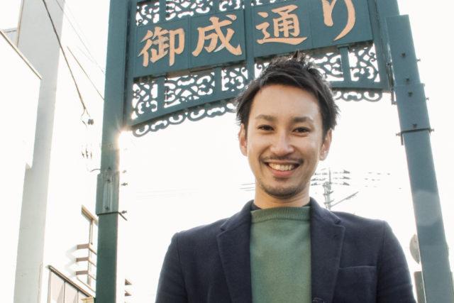 笑顔のオーナー三浦さんの写真