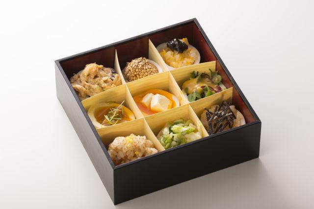 川嶋さんがつくった9マスに分かれたお弁当の写真