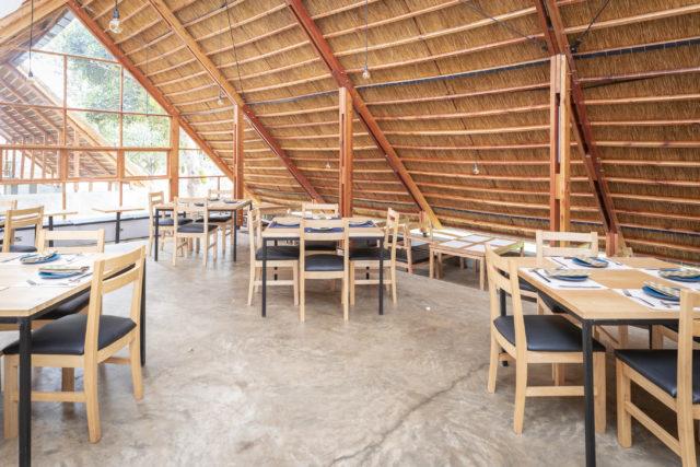 日本料理レストランYAMASENの内観