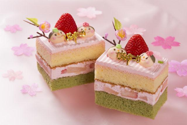 四角いお雛様ケーキが2つ並んでいる画像