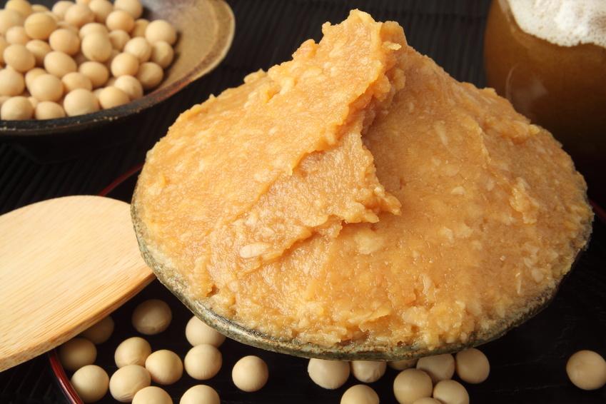 大豆と味噌の画像