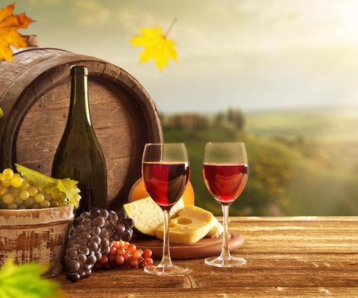 ワインとワインだるの画像