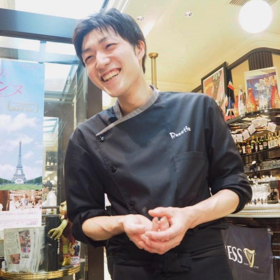 料理をしている森下さんの写真