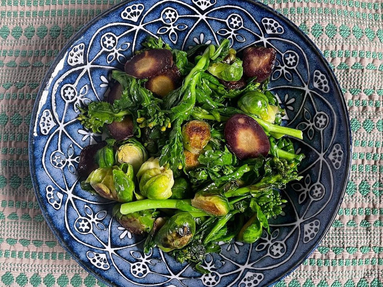 旬の野菜を使った野菜のソテーの写真