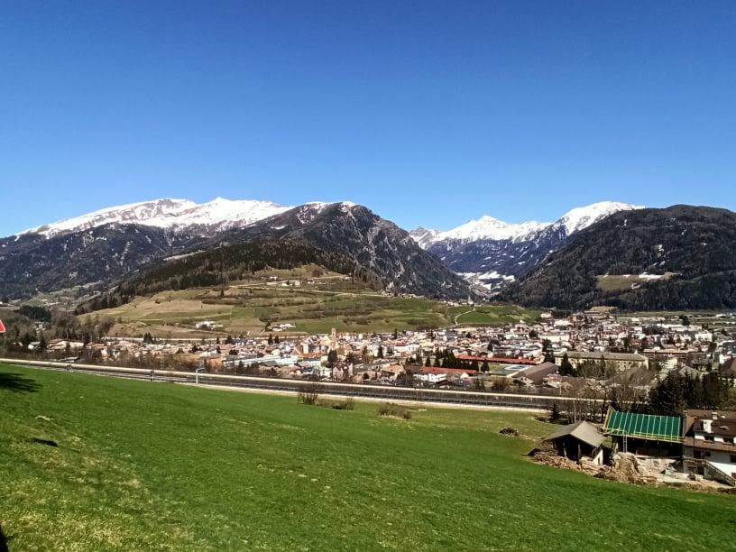 イタリア北部「ヴィピテーノ」の雄大な風景